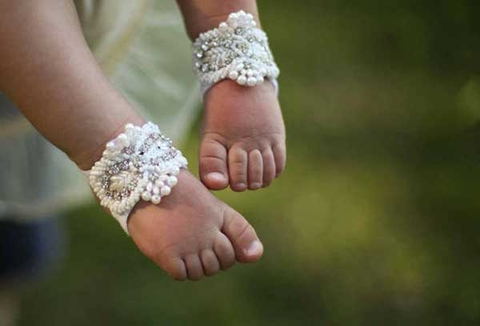 baby-barefoot-wedding-shoes