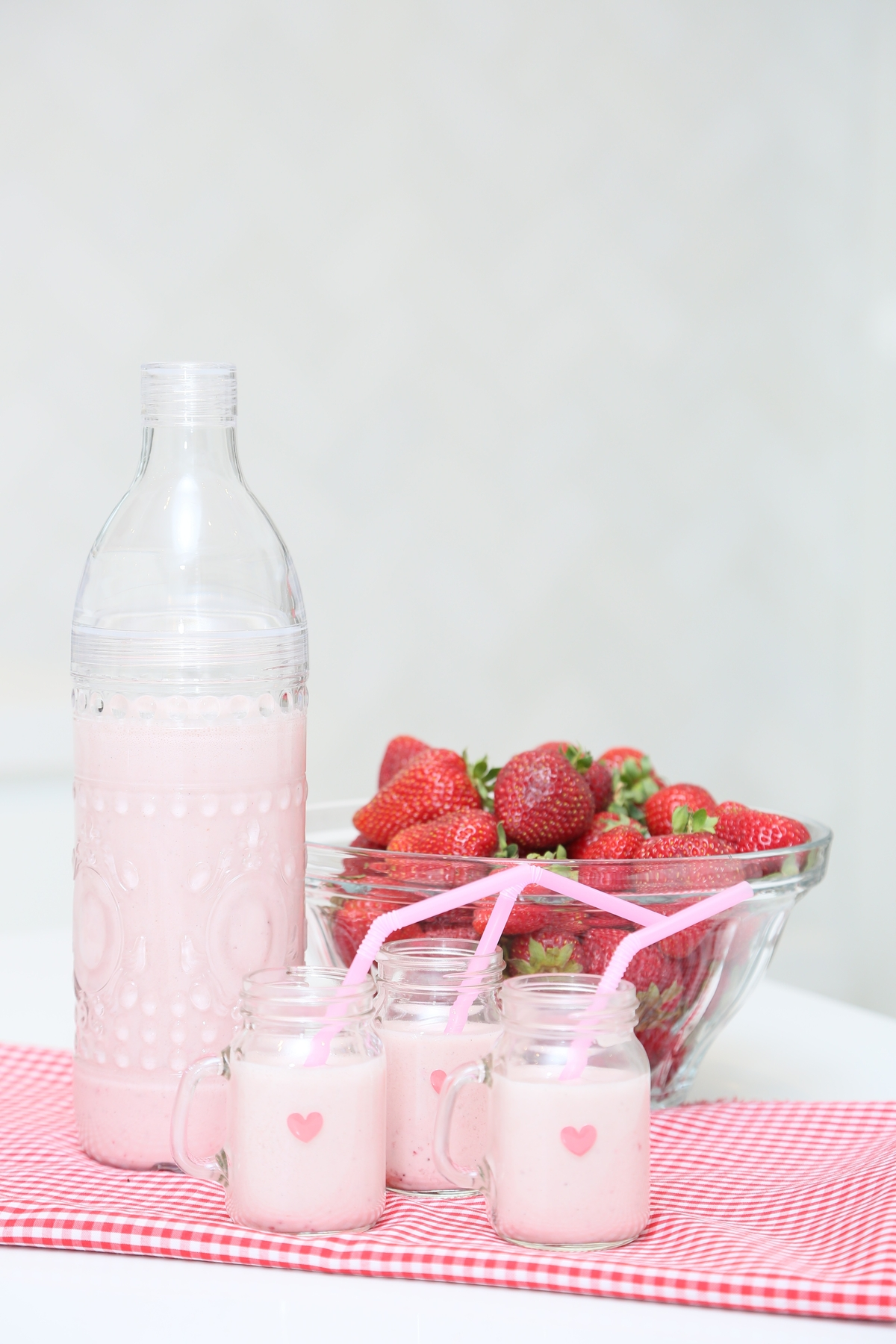 roasted strawberry almond milk